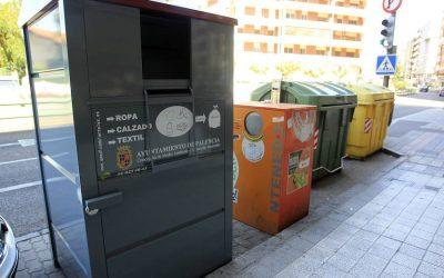Respecto a los contenedores de ropa y calzado usados