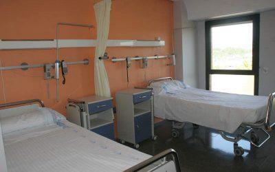 Moción contra la eliminación de camas hospitalarias, el cierre de consultas médicas y la falta de sustitución del personal sanitario