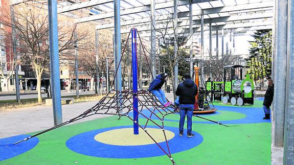 Pedimos al Ayuntamiento que aclaren las medidas de acceso a parques y piscinas