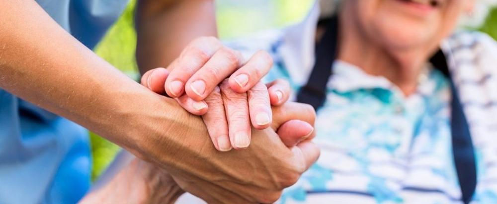 El Servicio de Ayuda a Domicilio debe reforzarse de forma permanente