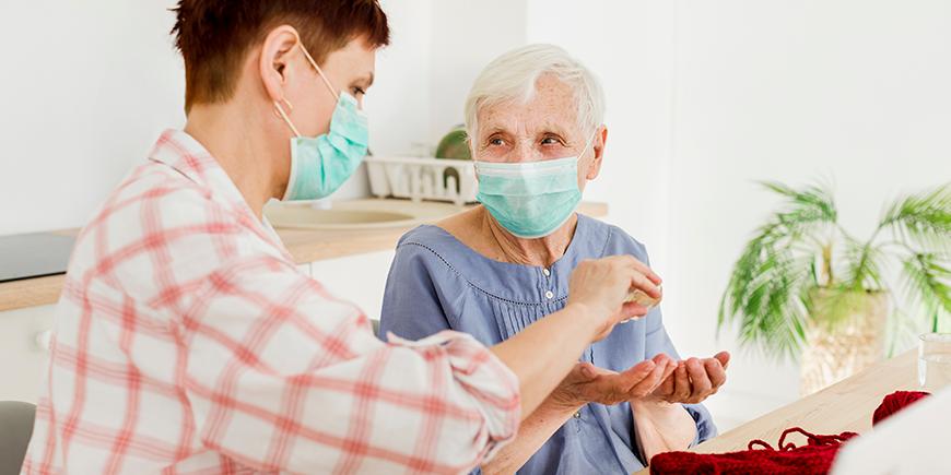 Apremiamos para vacunar a la trabajadoras del Servicio de Ayuda a Domicilio