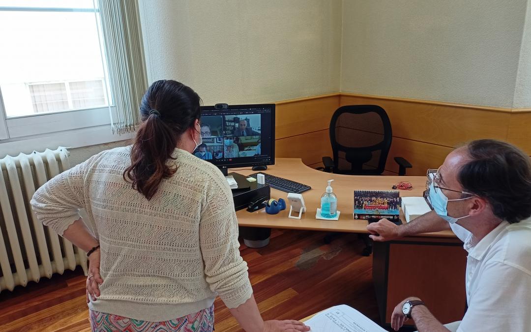 Ganemos Palencia se reúne con el equipo de gobierno para tratar la reforma de la Plaza de León